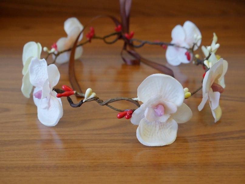 Венок из орхидей