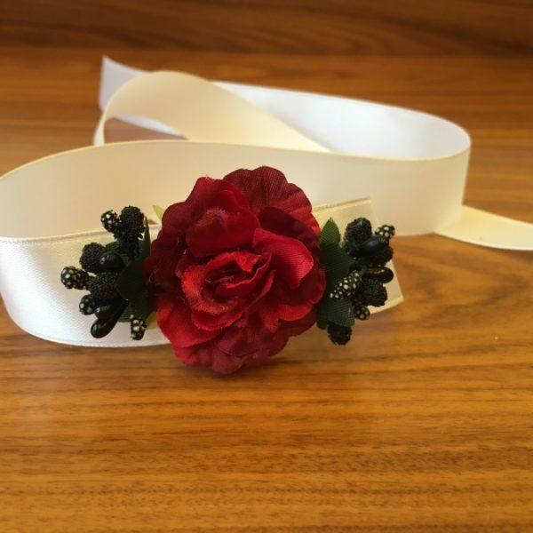 Браслет с красной розой