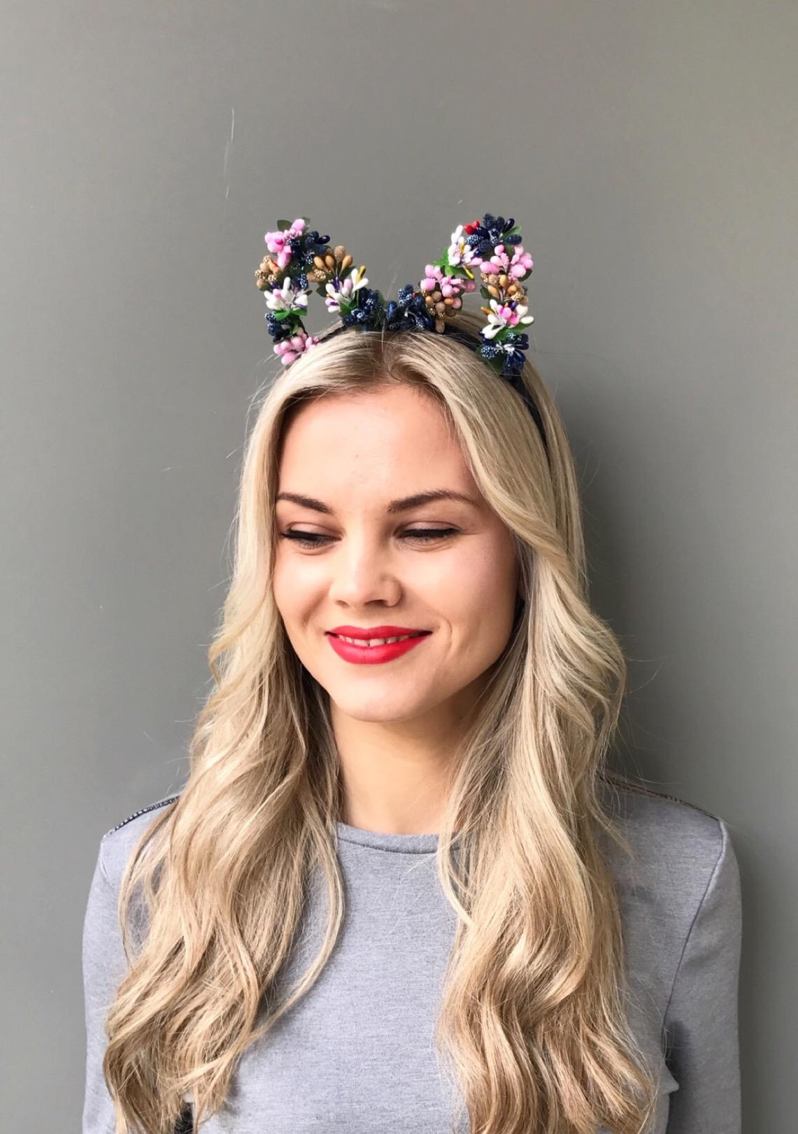 Цветки на голову