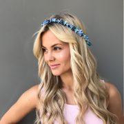 голубой веночек для волос