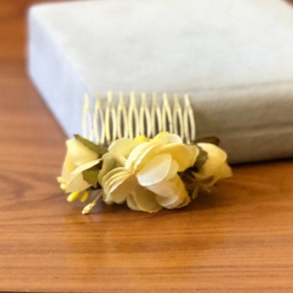 Гребень для волос из цветов