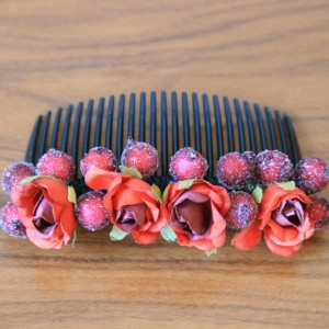 Гребень для волос с красными розами