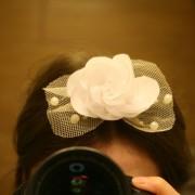 Заколка для волос с белой розой