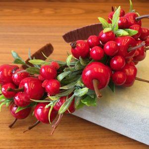 Ободок с ягодами