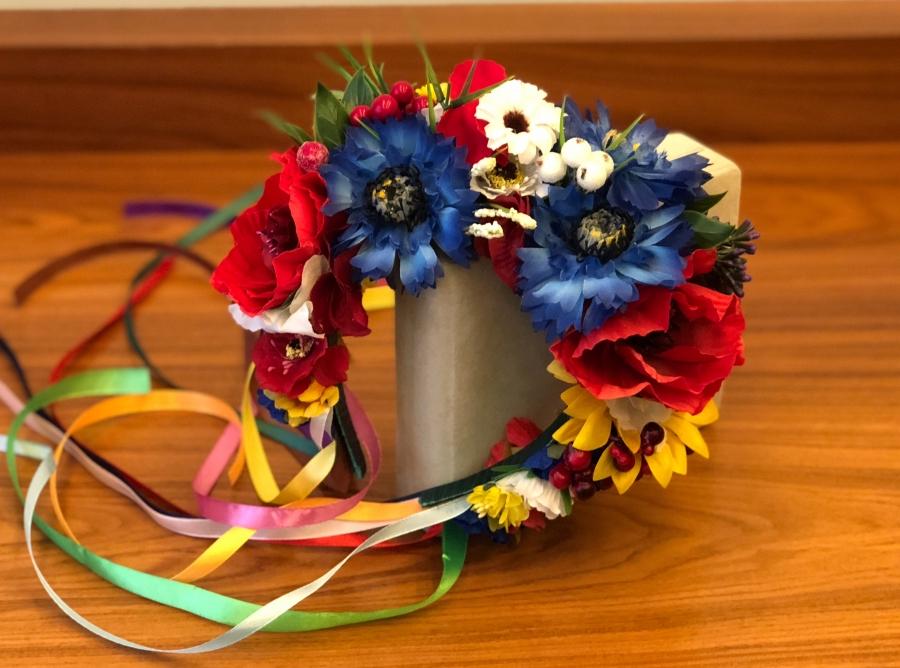 Цветы, композиция в украинском стиле